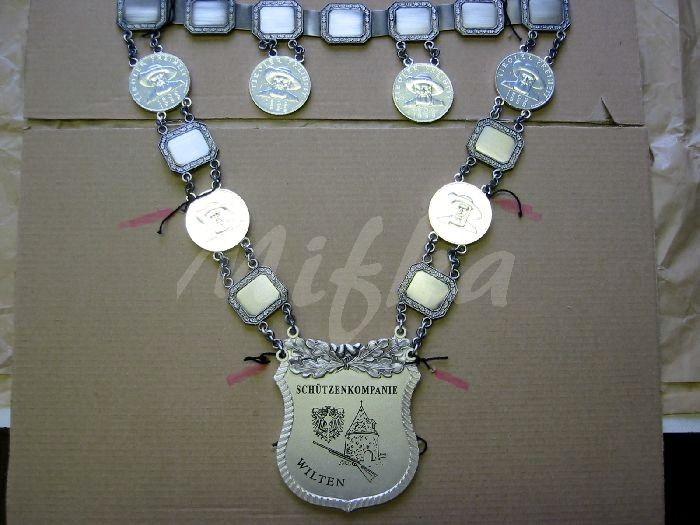 Schützenbedarf Von Mifka Pokale Geschenke Gravuren Abzeichen